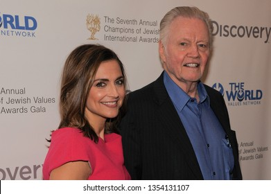 NEW YORK, NY - MARCH 28: Paula Faris and Jon Voight attend The Seventh Annual Champions of Jewish Values International Awards Gala at Carnegie Hall on March 28, 2019 in New York City.
