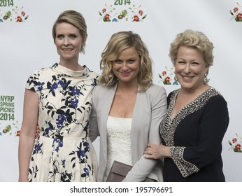 NEW YORK, NY - MAY 29, 2014: Cynthia Nixon, Amy Poehler & Bette Midler attend 13th annual spring picnic for New York Restoration Project fundraising at General Grant National Memorial Riverside Park