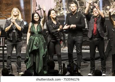 New York, NY - November 10, 2017: Evanescence rock band Will Hunt, Amy Lee, Jen Majura, Troy McLawhorn, Tim McCord curtain call at Kings Theater of Brooklyn