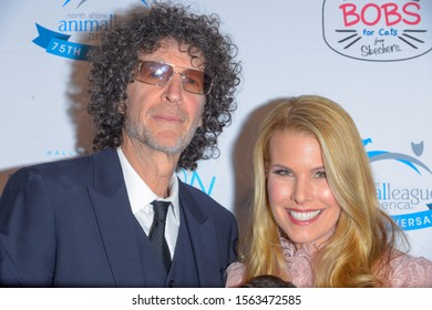NEW YORK, NY - NOVEMBER 15: Howard Stern and Beth Stern attend the North Shore Animal League America's 2019 Annual Gala at Pier Sixty at Chelsea Piers on November 15, 2019 in New York City.