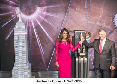 NEW YORK, NY - OCTOBER 01: Elizabeth Hurley and William P. Lauder attend the lighting of the Empire State Building at The Empire State Building on October 1, 2010 in New York City.