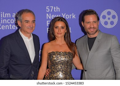 "NEW YORK, NY - OCTOBER 05: Oliverier Assayas, Penelope Cruz and Edgar Ramirez attend the 57th New York Film Festival ""Wasp Network"" arrivals at Lincoln Center on October 05, 2019 in New York City."