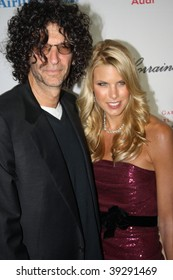 NEW YORK, NY - OCTOBER 20: Howard Stern (L) and Beth Ostrosky Stern (R) attend the 2009 Angel Ball on October 20, 2009 in New York City.