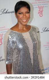 NEW YORK, NY - OCTOBER 20: Natalie Cole attends the 2009 Angel Ball on October 20, 2009 in New York City.