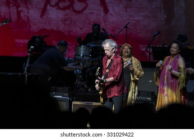 New York, NY - October 22, 2015: Keith Richards, Sarah Dash & Lisa Fischer preform during Great NIght in Harlem fundraising concert for Jazz Foundation of America at Apollo theater