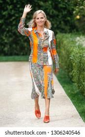 NEW YORK, NY - SEPTEMBER 07: Designer Tory Burch walks the runway at the Tory Burch fashion show during New York Fashion Week on September 7, 2018 in New York City.