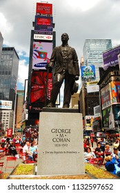 New York, NY, USA May 11, 2009 A state of songwriter George M Cohan, who penned Give my regards to Broadway, stands in the heart of Times Square in New York City
