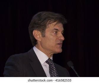 New York, NY USA - May 5, 2016: Dr. Oz speaks at 4th annual champions of Jewish values international awards gala at Marriott Marquis Times Square