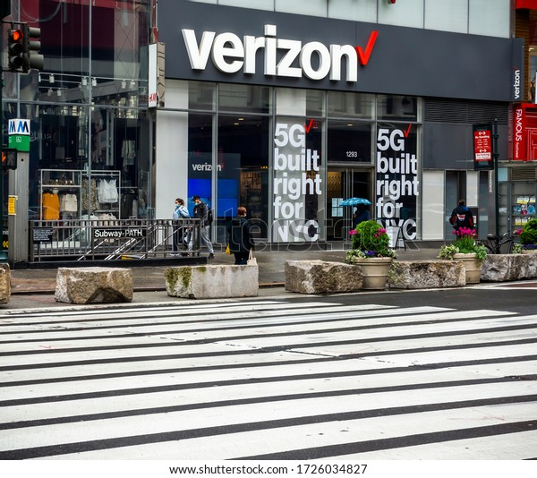 New York NY/USA-May 8, 2020  A Verizon Wireless store in Herald Square in New York