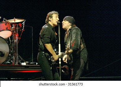 NEW YORK - OCTOBER 4: Singer Bruce Springsteen (L) and Steve Van Zandt, of the E Street Band, perform their last show for the 2002-03 World Tour at Shea Stadium October 4, 2003 in Flushing, New York.