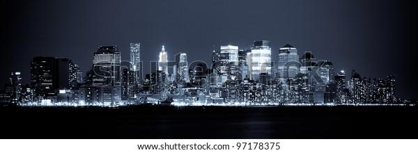 Нью-Йорк - Панорамный вид на Манхэттен Skyline ночью