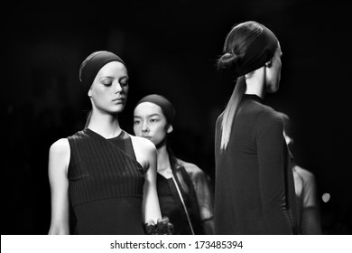 NEW YORK - SEPTEMBER 10: Models walk the runway at the Vera Wang Spring Summer 2014 Collection presentation during Mercedes-Benz Fashion Week on September 10, 2013 at Lincoln Center in New York.
