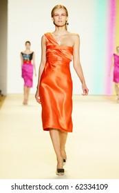 NEW YORK - SEPTEMBER 13: Model Edita Vilkeviciute walks the runway at Carolina Herrera collection for Spring/Summer 2011 during Mercedes-Benz Fashion Week on September 13, 2010 in New York