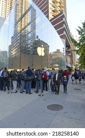 NEW YORK - SEPTEMBER 19, 2014. Thousands of loyal customers wait on long lines stretching many blocks outside the Apple Store in the Upper West Side of Manhattan for the iPhone 6 to go on sale.