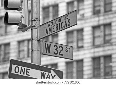 NEW YORK – SEPTEMBER 1979: road sign in Manhattan. Vintage picture taken in 1979.