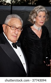 "NEW YORK - SEPTEMBER 21: Dr. Henry Kissinger and his wife Nancy Kissinger arrive at the season opening of the Metropolitan Opera, with the new production of ""Tosca September 21, 2009 in New York City."