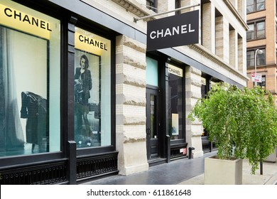 NEW YORK - SEPTEMBER 7: Chanel luxury shop in 139 Spring St, Soho, sunny day on September 7, 2016 in New York. Chanel is a fashion house founded in 1909 specialized in haute couture.