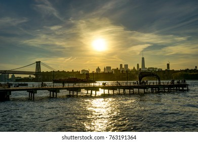 New York Skyline Cityview Manhatten with Empire State Building S