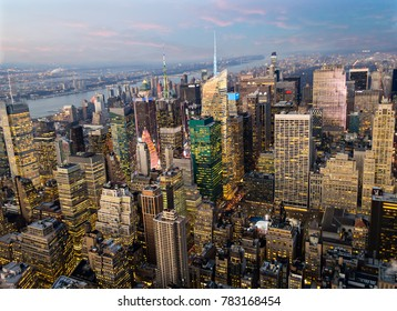 New York town, Manhattan skyline at sunset