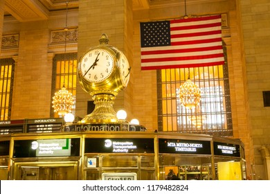 NEW YORK, USA - OCTOBER 1, 2009: Clock in main lobby of Grand Central Terminal on October 2009 in New York. Grand Central Terminal is the largest train station in the world by number of platforms.