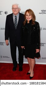"""NEW YORK-APR 18: Actress Marlo Thomas (R) and husband Phil Donahue attend the """"All About Ann: Governor Richards of the Lone Star State"""" premiere at the SVA Theatre  on April 18, 2014 in New York City."""