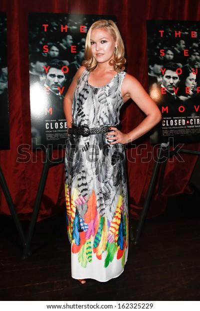 New Yorkaug 19 Actress Julia Stiles Stock Photo Edit Now