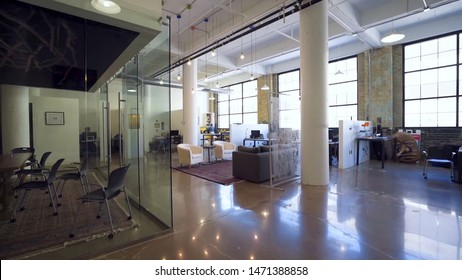 new York/new York  06/08/2019  photo of modern office space