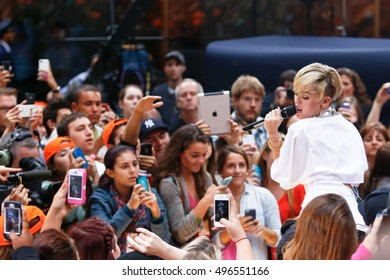 NEW YORK-OCT 7: Recording artist Miley Cyrus performs on NBC's 'Today Show' at Rockefeller Plaza on October 7, 2013 in New York City.