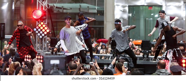 NEW YORK-SEP 10: Singer Justin Bieber performs on NBC's 'TODAY Show' at Rockefeller Plaza on September 10, 2015 in New York City.