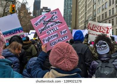 New York/USA - 01/19/18 - Participants and signs from the women's march 2019