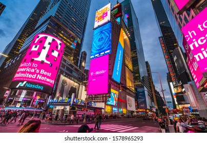 new york,usa,09-03-17: famous,Time squre  at night  with  crowds and traffic.