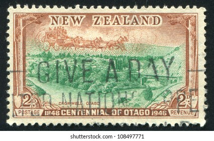 NEW ZEALAND - CIRCA 1948: stamp printed by New Zealand, shows Cromwell, Otago, circa 1948