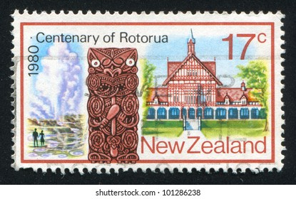 NEW ZEALAND - CIRCA 1980: A stamp printed by New Zealand, shows Maori Wood Carving, Tudor Towers, circa 1980