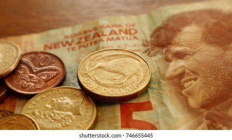 New Zealand Dollars, Some coins on Bill.