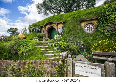New Zealand - Hobbiton - Movie set - Lord of the rings