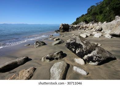 New Zealand landscape - beach near Kaiteriteri
