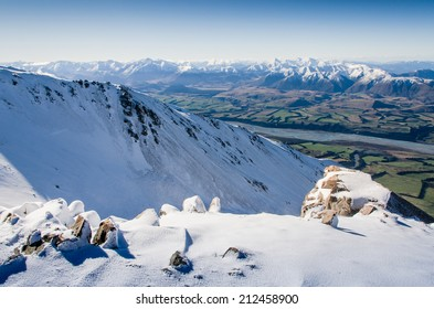 new zealand mountains viewed from ski resort