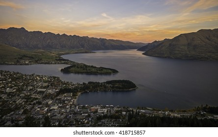New Zealand, panoramic view of Queenstown and lake Wakatipu at dusk