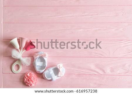 newborn baby girl background newborn accessories の写真素材 今すぐ