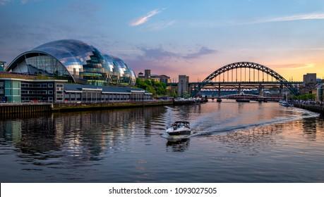 Newcastle Upon Tyne England 7th May 2018 Sunset over the River Tyne and the Sage