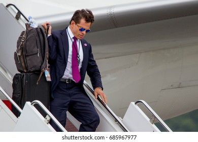 Newly appointed White House Communications Director, Anthony Scaramucci, disembarks Air Force One in Ronkonkoma, NY, Friday, July 28, 2017.