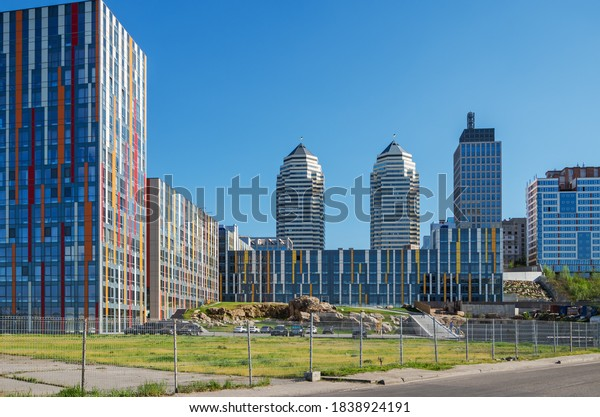 newly-built-urban-highrise-buildings-600