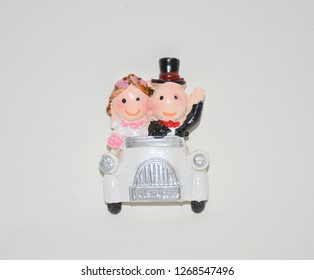 Newly wed bride and groom souvenir trinket wedding candy material