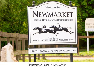 Newmarket, Suffolk, uk 2019-04-23. Roadside sign on entering Newmarket from Bury asking drivers to give way to horses