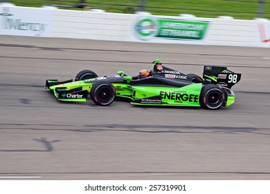 Newton Iowa, USA - July 11, 2014: Verizon Indycar Series Iowa Corn 300 practice and qualifying action. 98 Jack Hawksworth (R) Integrity Energee Drink Honda