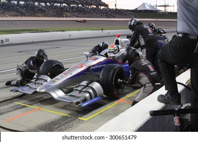 Newton, Iowa USA - July 18, 2015: Verizon IndyCar Series Iowa Corn Indy 300. 25 Justin Wilson Sheffield, England Andretti Autosport Honda. Pit stop action, gets fuel and tires.