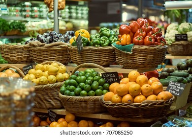 New-York City - Grand Central Market - Fresh Fruits and Vegetables Basket