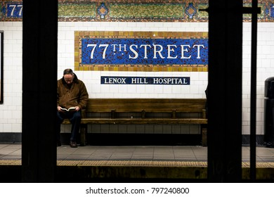 NEW-YORK - NOV 17: Passengers waiting for the subway on the platform of the 77th street station in New-York, USA on November 17, 2012.