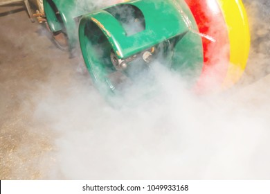 NH3 ammonia refrigerant : Leakage of ammonia (NH3) out of the tank is white smoke.