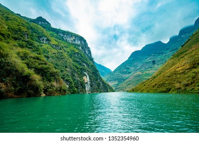 Nho Que River, one of the most beautiful is a River in Vietnam